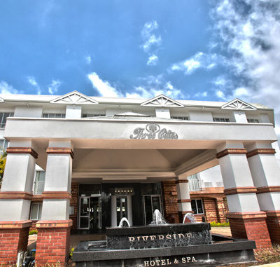Riverside Hotel & Spa